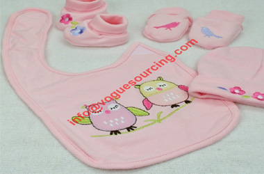 4pcs-newborn-baby-accessories-cotton-bib-hat-mittens-booties-voguesourcing