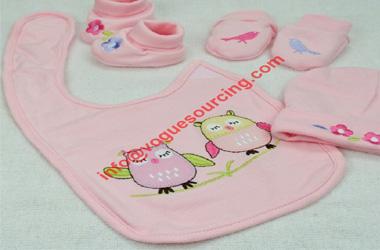 4pcs-newborn-baby-accessories-cotton-bib-hat-mittens-booties-voguesourcing