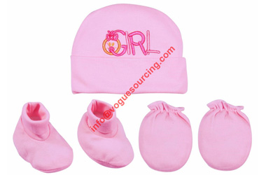 baby-cap-with-mitten-and-bootie-voguesourcing
