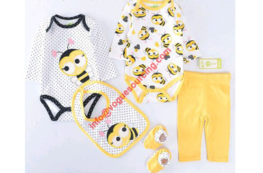 baby-girls-clothes-gift-set-voguesourcing