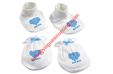 white-baby-mitten-and-bootie-voguesourcing
